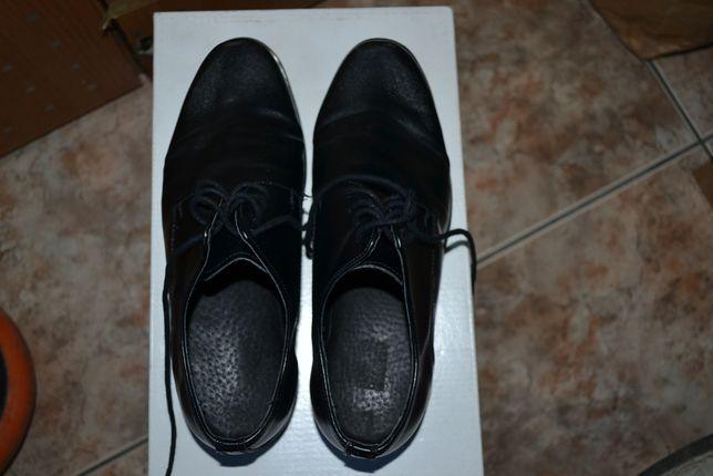 Eleganckie buty z eko skóry dla chłopca 34, załozone tylko na komunię