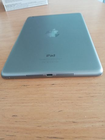 Планшет  iPad Mini 2 Wi-Fi Space Gray