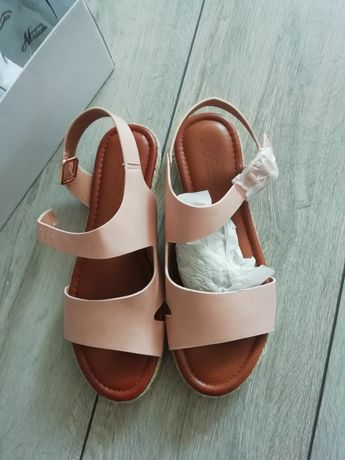 Sandałki damskie 39
