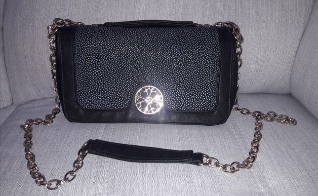 Torebka elegancka czarna od Avon kopertówka
