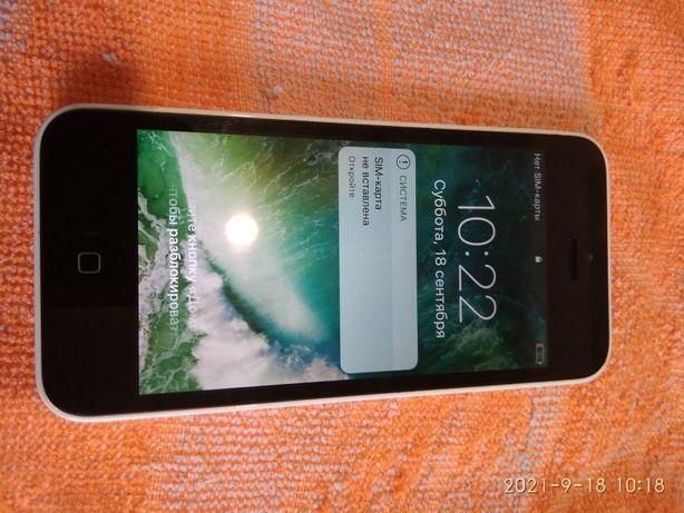 Apple iPhone 5C 8GB MGFG2LL