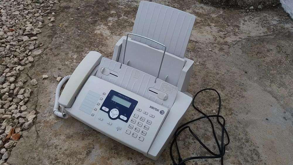 Telefone e fax como novo Xerox.