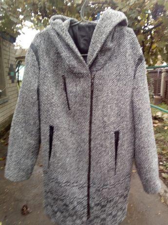 Продам пальто размер 46-48