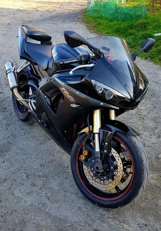 Yamaha R6 Rj095