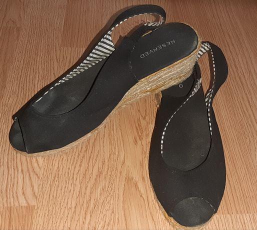 Czarne sandały espadryle Reserved