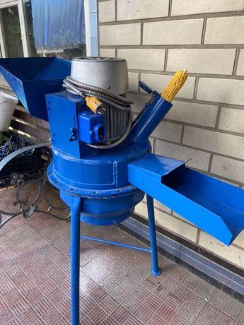 Млин, подрібнювач (кукурудза качани, зерно)