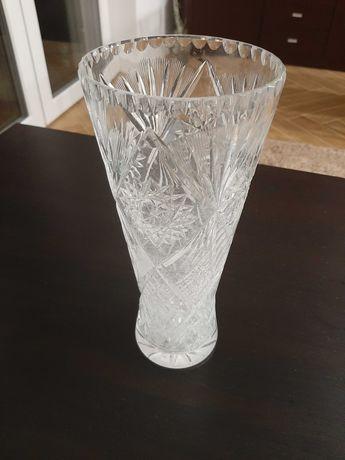 Szklanki i wazon kryształowy