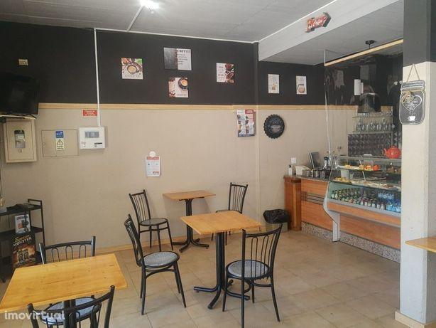 Café com minimercado - Trespasse - Solum