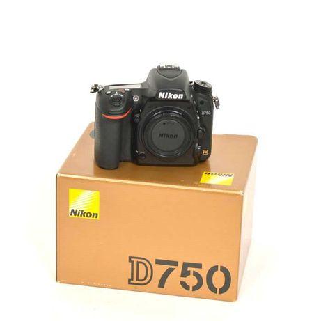 Nikon D750 nova a estrear