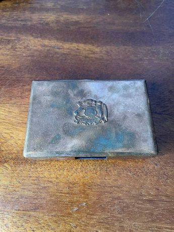 Металлическая визиточница с гербом Чили.