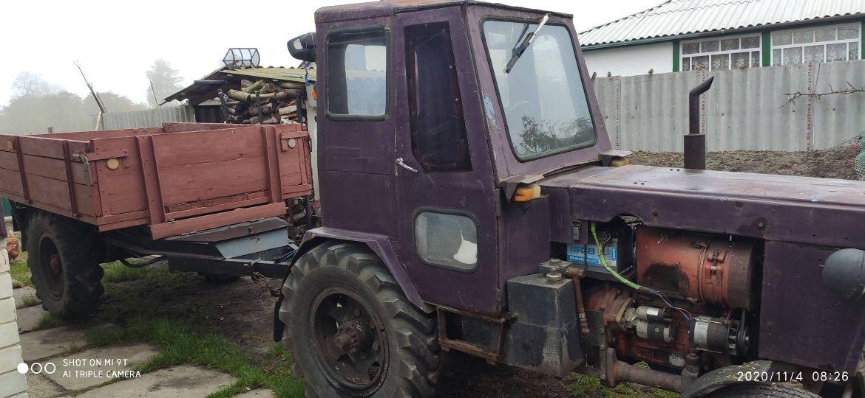 Трактор колісний.