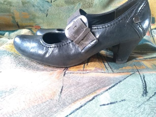Pantofle półbuty czółenka 38 skórzane