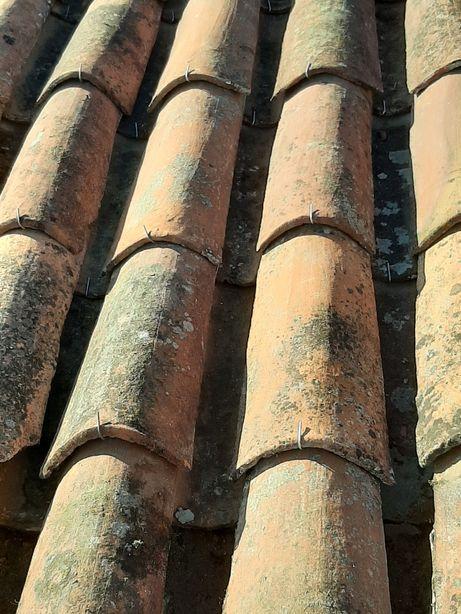 Vende-se grampos / ganchos para telhas de canudo