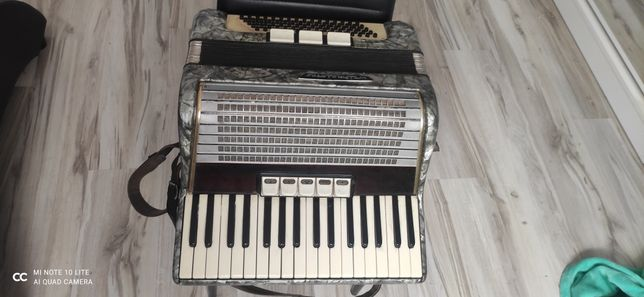 Akordeon weltmeister 80