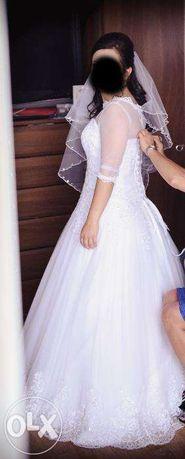 Przepiękna Suknia ślubna z koronką na niską osobę