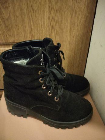 Зимние ботинки на тракторной подошве, замш, 37 размер