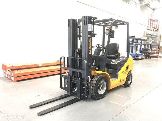 Outra não listada Empilhador NOVO Euroyen 2500 Kgs Diesel