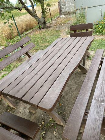Drewniany komplet mebli ogrodowych