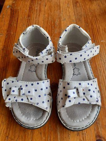 Sandałki dla dziewczynki, lato r.23