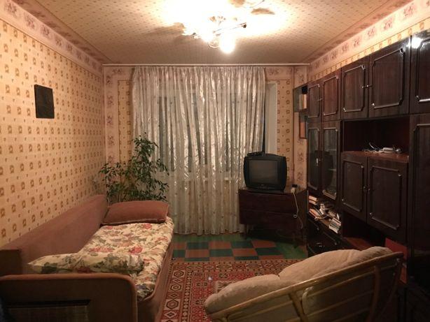 Продам на Победе 2-комнатную уютную квартиру-53 м.кв. средний этаж!