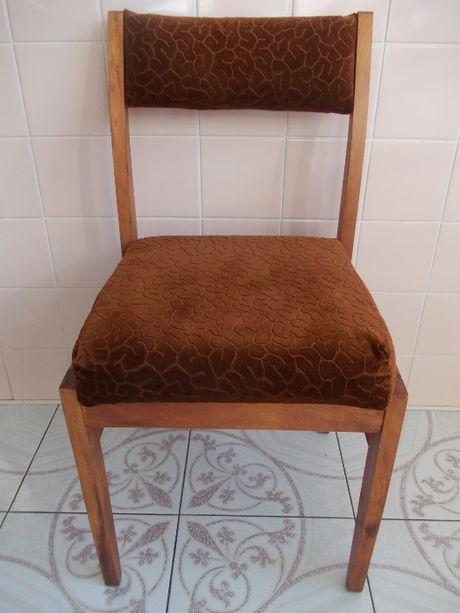 Krzesło tapicerowane welurowe brązowe