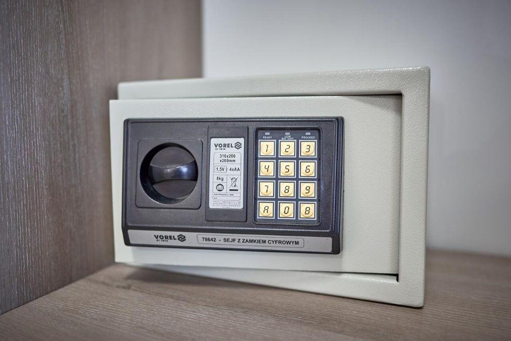 Сейф с электронным замком vorel 78642 Харьков - изображение 1