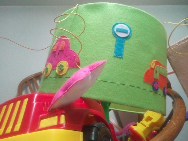 Candeeiro abajour  grande, quarto/ estúdio de criança