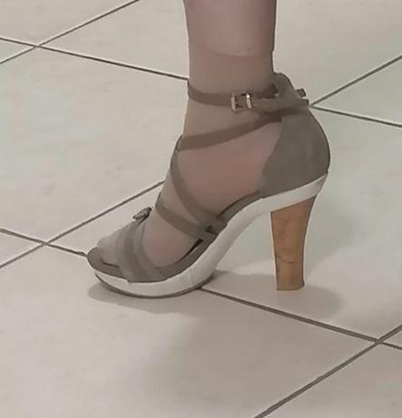 Sandália da Replay salto alto