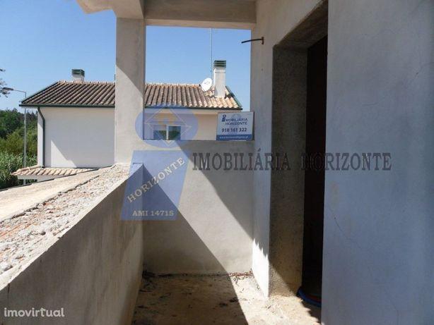 Moradia T4 com Jardim e Quintal