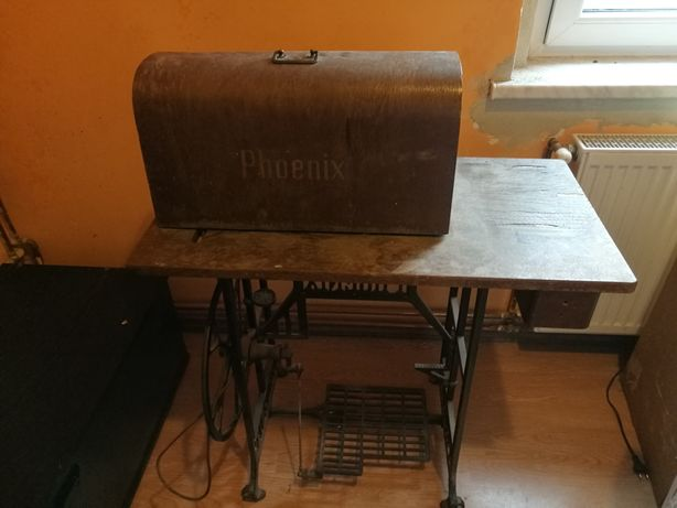 Sprzedam starą maszynę do szycia PHOENIX.