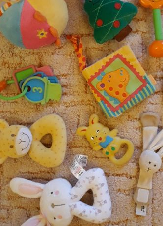 Grzechotki, zabawki