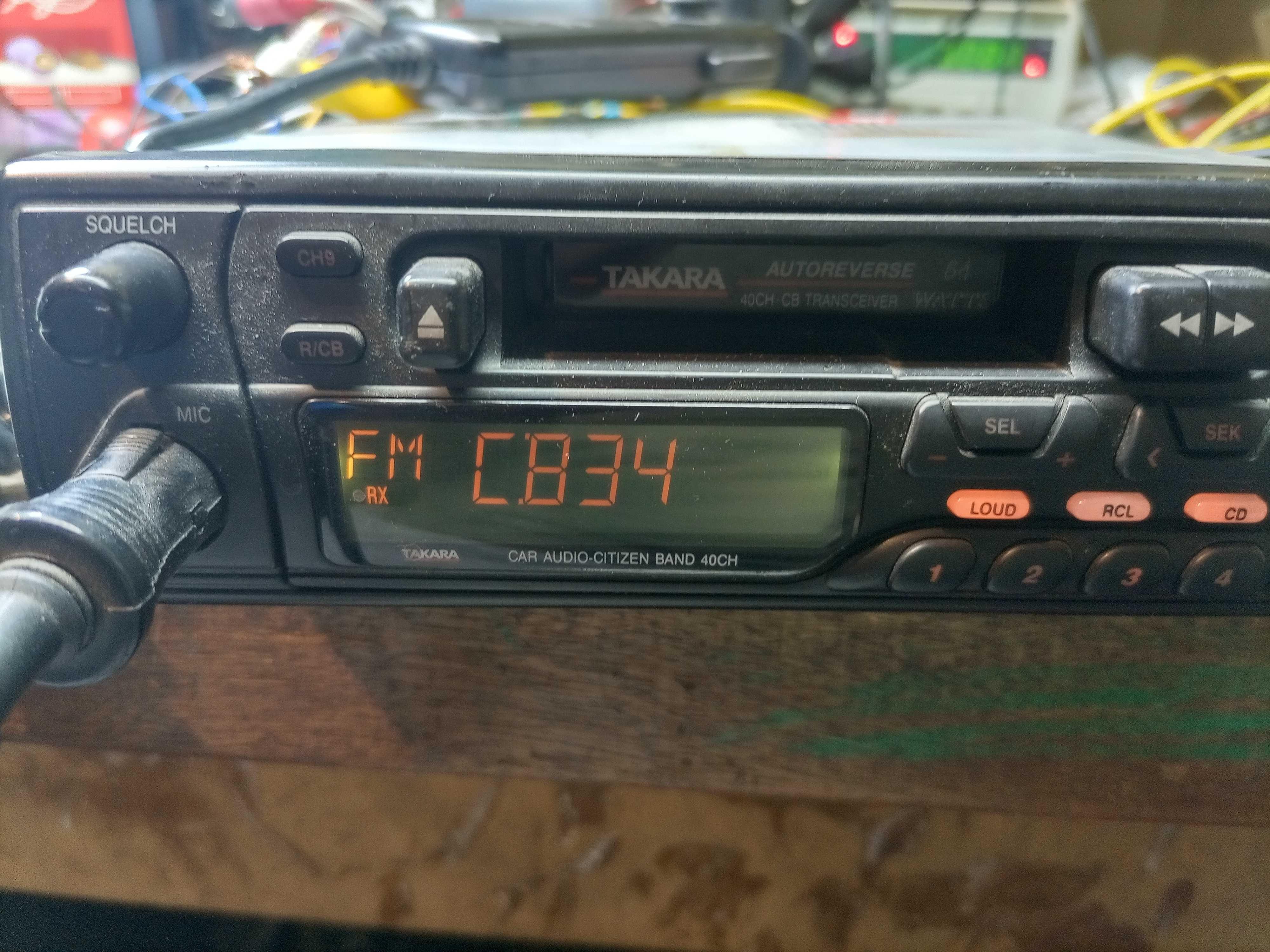 Vendo radio Cb e autorrádio.