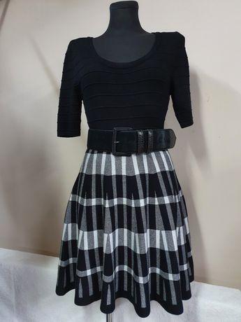 Candies USA sukienka dzianinowa rozkloszowana r36/38