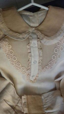 Blusinhas bordadas com rendas