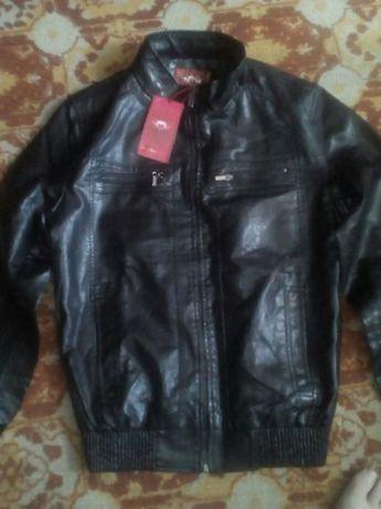 продам новую кожанную курточку