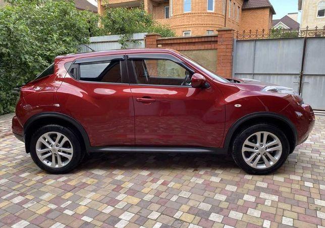 Продаю срочно свой автомобиль nissan juke 2014 год 1.6 автомат официал
