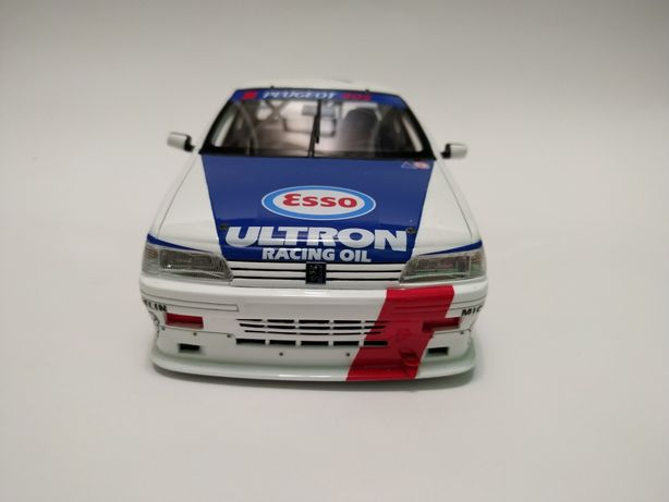 Peugeot 405 1:18 OTTO