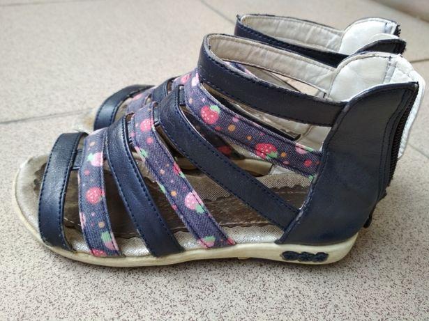 Sandały 28