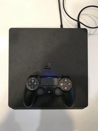 Продам игровую приставку PlayStation 4 Slim 1 TB