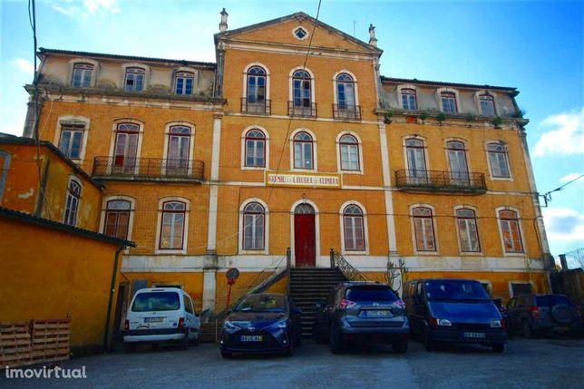 Prédio, 18 quartos, Coimbra, Fernão Magalhães