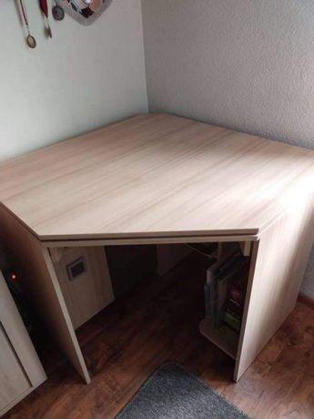 Biurko narożne w dobrym stanie