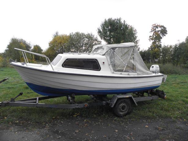 Łódz kabinowa 5m