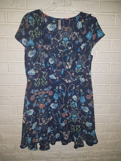 Sukienka kopertowa 42 falbanki