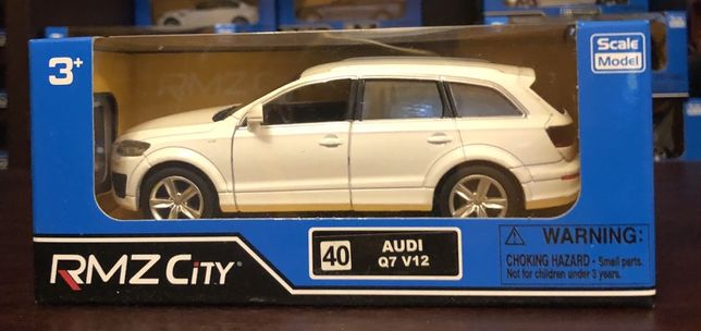 Audi Q7 samochodzik skala 1:32 RMZ
