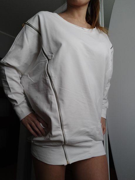 Biała bluza nietoperz, nowa