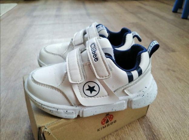 Продам белые кроссовки кеды Clibee (Венгрия) р. 26-16 см
