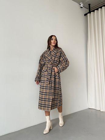 Теплое пальто трендовый принт