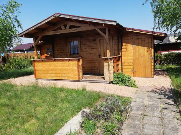 Sprzedam działkę pracowniczą 400m2 z domkiem drewnianym - Sprawdź