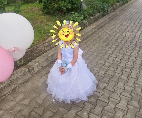 Нарядное платье на девочку 3-4-х лет (рост 98-104 см)