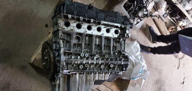 Мотор в разборе ДВС BMW F10 блок распредвалы головка навесное N55B30A